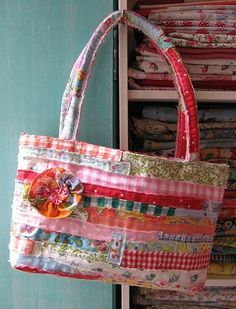 fabric strip bag.  the post below also has instructions.