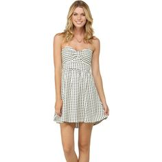 The Roxy Women's Bustin Out Dress lives for warm-weather vacations. This woven tube dress shows off your figure with its bow bodice and soft pleating that allows the skirt to flow and swirl while you dance the night away with locals. Back smocking ensures a comfortable, secure fit while cotton yarn dye jacquard fabric feels soft against your sunkissed skin.