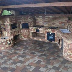 An outdoor kitchen can be an addition to your home and backyard that can completely change your style of living and entertaining. Earlier, barbecues temporarily set up, formed the extent of culinary attempts, but now cooking outdoors has become an. Diy Outdoor Kitchen, Outdoor Oven, Backyard Kitchen, Outdoor Cooking, Outdoor Rooms, Outdoor Living, Outdoor Decor, Outdoor Kitchens, Patio Pergola