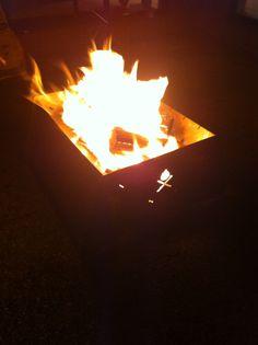 Backyard campfire :) Urban Flame flatpack fire