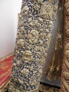 ❤The world's most stunning dream board! Zardosi Embroidery, Tambour Embroidery, Hand Work Embroidery, Couture Embroidery, Gold Embroidery, Embroidery Fashion, Hand Embroidery Designs, Embroidery Dress, Tambour Beading
