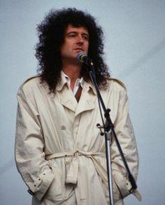 John Deacon, Adam Lambert, Freddie Mercury, Brian's Song, Queen Brian May, Roger Taylor, Best Guitarist, We Will Rock You, Queen Band
