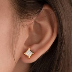 Image may contain: one or more people and closeup Gold Earrings For Women, Gold Bar Earrings, Jewelry Design Earrings, Gold Earrings Designs, Gold Jewellery Design, Diamond Earrings, Piercings, People, Studs