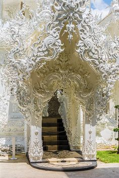 Free Image on Pixabay - White Temple, Chiang Rai, Thailand Creative Architecture, Beautiful Architecture, Beautiful Buildings, Art And Architecture, Beautiful Places, Residence Architecture, Art Nouveau Arquitectura, White Temple, Interesting Buildings