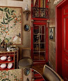 Designers 12 Favorite Shades of Red Paint {and a gift!} - laurel home