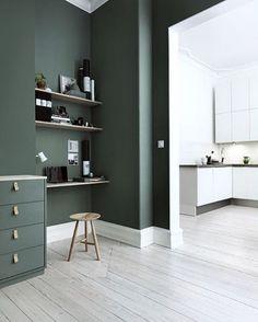 Trend Watch: paredes verdes no apartamento - Home Design Decor, House Design, Interior Design, Home Decor, Design Ideas, Design Room, French Interior, Luxury Interior, Chair Design