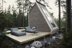 Nido Cabin by Robin Falck - Cabin tiny house in Sipoo, Finland made with recycled materials - Dwell Chalet Design, Cabin Design, Villa Design, Cottage Design, Deck Design, Design Design, Green Architecture, Architecture Design, Sustainable Architecture