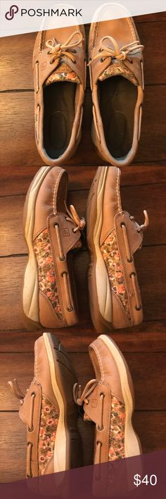 EUC women's Sperrys EUC women's Sperry boat shoes. Adorable with pink sequin flowers. Worn a few times. Almost new condition. Sperry Top-Sider Shoes Flats & Loafers
