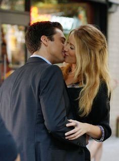 Sebastian Stan as Carter and Blake Lively as Serena in Gossip Girl's 'The Lost Boy'.