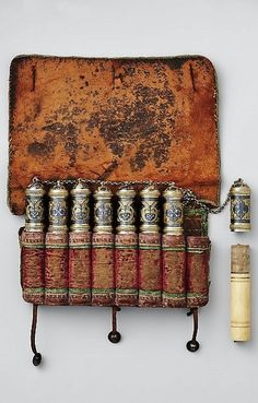 Powder charge container. From the Caucasus, 19th century. Ivory, leather, textile, silver, niello. H. 12.7 cm; L. 19.1 cm; Wt. 411 grams. (Met museum, N.Y.)