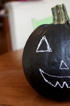 The Glossy Life: Chalkboard paint pumpkins