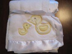 Carter Boy Girl White Boa Fleece Duck Satiny Edge Blanket $19.99