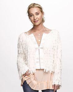 Asher Keddie: 'The life balance is not achievable' Flannel Outfits, Boho Outfits, Wedding Cardigan, Retro Fashion, Boho Fashion, J Aton Couture, Fringe Jacket, Cute Jackets, Linen Dresses