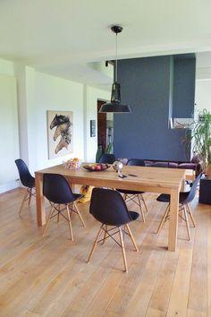 En panne d'inspiration pour la salle à manger ? 10 idées ici ! Panne, Office Desk, Conference Room, Salons, Dining Room, Desktop, Lounges, Desk, Meeting Rooms