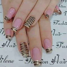 5 Simple Nail Art Designs You Can Do Yourself Simple Nail Art Designs, Easy Nail Art, Pretty Nail Art, Beautiful Nail Art, Stylish Nails, Trendy Nails, Fabulous Nails, Creative Nails, Simple Nails