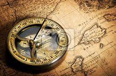 Cuadro brújula en el mapa antiguo