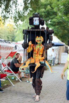 15 Fun Halloween Costumes That Use Fake Legs to Create An Illusion -  halloween 4c8cef007ebf7