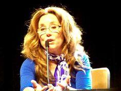 ▶ Dragon*Con 9/6/09 Mary McDonnell on Laura's femininity - YouTube