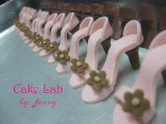 My mini shoe cupcake topper tutorial