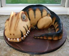 Zucchini cake with pine nuts - Clean Eating Snacks T Rex Cake, Dino Cake, Dinasour Cake, Festa Jurassic Park, Dinosaur Birthday Cakes, 3rd Birthday, Star Cakes, Animal Cakes, Zucchini Cake