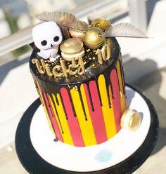 Técnica dripp con macarrons y modelados Harry Potter Cake, Birthday Cake, Desserts, Food, Cakes With Fondant, Tailgate Desserts, Deserts, Birthday Cakes, Essen