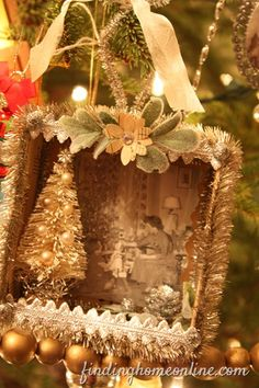 Family Christmas Tree Family Christmas Tree - Would be fun to take an old picture and make an ornament.Family Christmas Tree - Would be fun to take an old picture and make an ornament. Noel Christmas, Vintage Christmas Ornaments, Family Christmas, Winter Christmas, All Things Christmas, Handmade Christmas, Christmas Decorations, Christmas Photos, Family Family