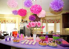 Beautifu party....using pretty props.