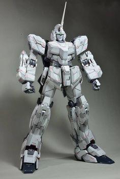 RX-0 Gundam Unicorn (Unicorn Mode)   PG 1:60 scale