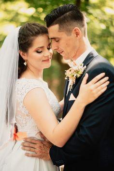 Vilma's tale: O jednom Hasičkovi a jednej Pančelke Jewel Tone Wedding, Red Wedding, Wedding Day, Wedding Bride, Wedding Vintage, Wedding Album, Autumn Wedding, Wedding Blog, Wedding Decor
