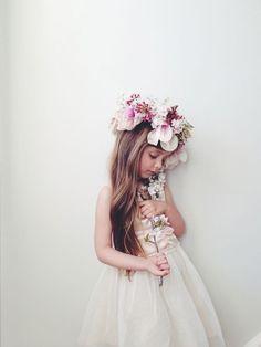 Flower girl with her flower crown #weddings