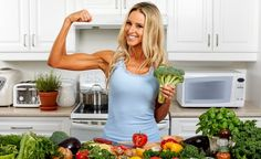 Immer wieder müssen sich Veganer von sog. Experten sagen lassen, dass ihre vegane Ernährungsweise ein enormes Risiko für Knochenkrankheiten wie z. B. Osteoporose mit sich bringe. Schliesslich trinken Veganer weder Milch noch essen sie Käse und nehmen daher meist auch weniger Calcium zu sich als der normal essende Teil der Bevölkerung. Eine Studie zeigt jedoch, dass gesunde Knochen offenbar nicht ausschliesslich das Ergebnis eines hohen Calciumkonsums sein können, sondern dass die…