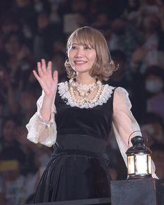 19367421 1898607590378090 6832956203845287936 n Saori, Music Film, End Of The World, Poses, Flower Girl Dresses, Wedding Dresses, Entertainment, Japan, Twitter