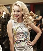 Jorgie porters style is amazing i love her hairstyles in hollyoaks and i love her hair here Jorgie Porter, Hollyoaks, 80s Outfit, Celebrity Gallery, Celebs, Celebrities, Down Hairstyles, A Team, My Little Pony