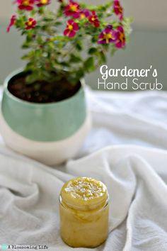 Gardener's Hand Scrub - a diy recipe for naturally moisturizing your dry hands!  ~:: A Blossoming Life