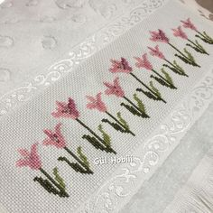 1 million+ Stunning Free Images to Use Anywhere Small Cross Stitch, Cross Stitch Borders, Cross Stitch Flowers, Cross Stitch Designs, Cross Stitching, Cross Stitch Patterns, French Knot Embroidery, Hand Embroidery Designs, Cross Stitch Embroidery