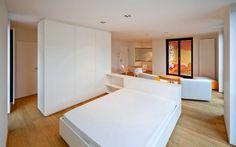 Bett Kleiderschrank Kombination in matt weiß