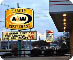 a & w restaurant youngstown ohio used to go here all the time as a kid! That pizza hut was the best.