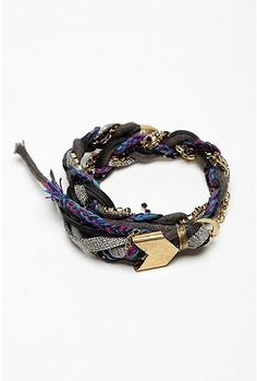 really want to try DIY-ing this somehow, can you tell i'm bracelet obsessed?
