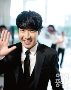 Ha Dong Hoon (Ha Ha) on @DramaFever, Check it out! Come visit kpopcity.net for the largest discount fashion store in the world!!