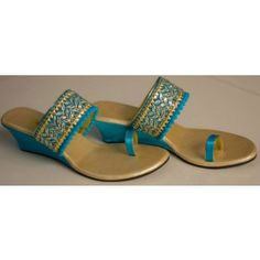 Fashion Slippers, Fashion Shoes, Fashion Dresses, Bridal Footwear, Bridal Shoes, Indian Shoes, Compact Living, Saree Blouse Designs, Wedding Wear