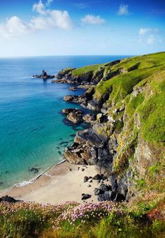 Lizard Peninsula (Credit: Matt Munro)You can find Cornwall england and more on our website. Cornwall Coast, Cornwall Beaches, Devon And Cornwall, West Cornwall, York Minster, Oh The Places You'll Go, Places To Visit, Roseland Peninsula, Camping Cornwall