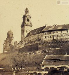 Piwiarnia-Bierhalle pod Wawelem, lata XIX w. (Wawel with beer hall below, Old Photographs, Old Photos, Germany And Prussia, Krakow Poland, Austro Hungarian, Dresden, Planet Earth, Hungary, Animals And Pets