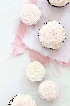 DIY rose cupcakes for wedding or bridal or baby shower, featured on Emmaline Bride. #DIY