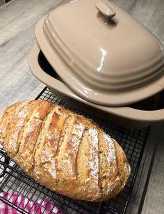 """""""Quarkie"""" ein tolles Brot im Zaubermeister gebacken. https://ziehl.shop-pamperedchef.de/shop/section/products_detail/stoneware/der-zaubermeister-copy-192/"""