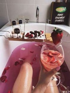 lush bath images, image search, & inspiration to browse every day. Entspannendes Bad, No Time For Me, Just For You, Dream Bath, Relaxing Bath, Bath Time, Girly Things, Simple Things, Bath And Body