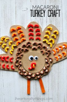 Mimic the texture of bird feathers with pasta and create this awesome elbow macaroni turkey craft. Mimic the texture of bird feathers with pasta and create this awesome elbow macaroni turkey craft. Daycare Crafts, Toddler Crafts, Diy Crafts For Kids, Kids Diy, Diy Turkey Crafts, Turkey Crafts For Preschool, Toddler Activities, Craft Ideas, Macaroni Crafts