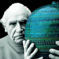 Glass Ceramic, Ceramic Pottery, Pottery Art, Vintage Pottery, Pottery Studio, Pottery Ideas, Porcelain Tile, White Porcelain, In Loco