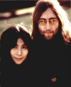 Photo by Paola Quezada John Lennon And Yoko, Im A Dreamer, Wife And Girlfriend, Animated Gif, The Beatles, The Dreamers, Girlfriends, Animation, Fan