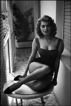 David Seymour -  ITALY. 1955. Rome. Sophia LOREN, Italian actress, at home.