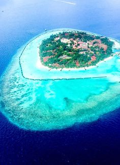 The Beautiful islands of Maldives Travel Hacks, Budget Travel, Travel Ideas, Travel Guide, Travel Inspiration, Fall Travel Outfit, Travel Outfits, Usa Travel, Solo Travel